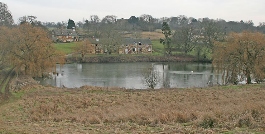 Croxton abbey waltham on the wolds for Local fishing ponds